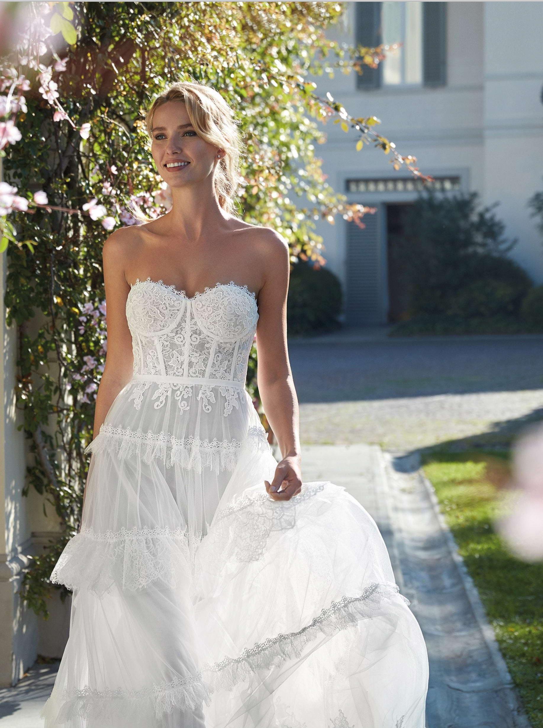 White Lady Sposa Oroscopo 2021 - Donna acquario